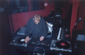 2000-dj-robert-bennet-flamingo-nye